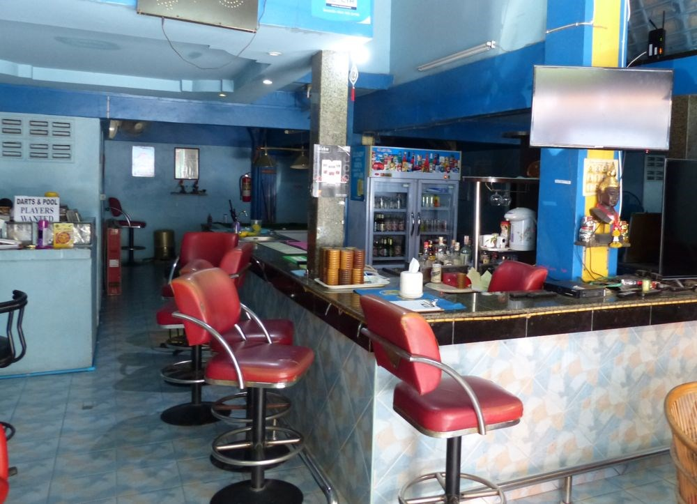 Bar with 10 guest rooms for rent - Commercial - Pattaya Central -