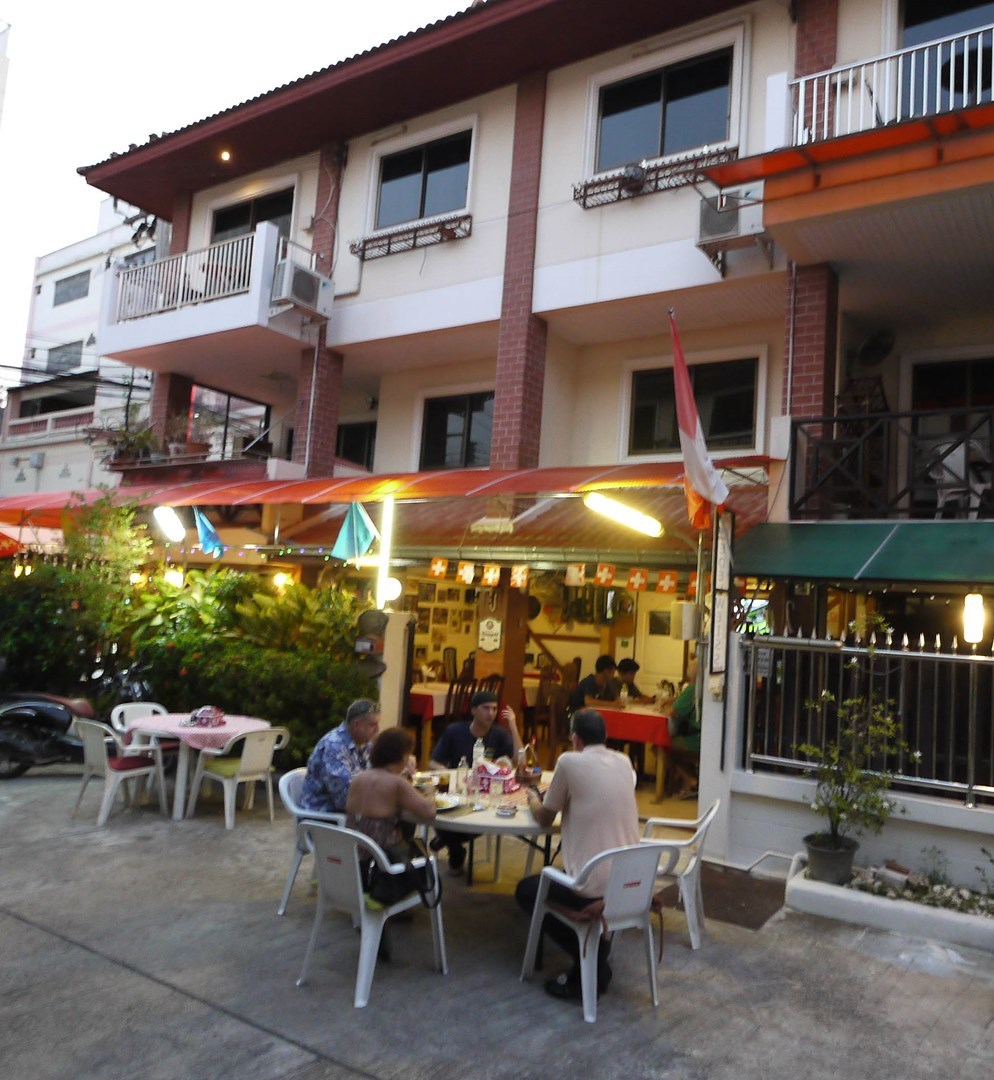 City-Townhouse with Restaurant, Thappraya Road - House - Jomtien -