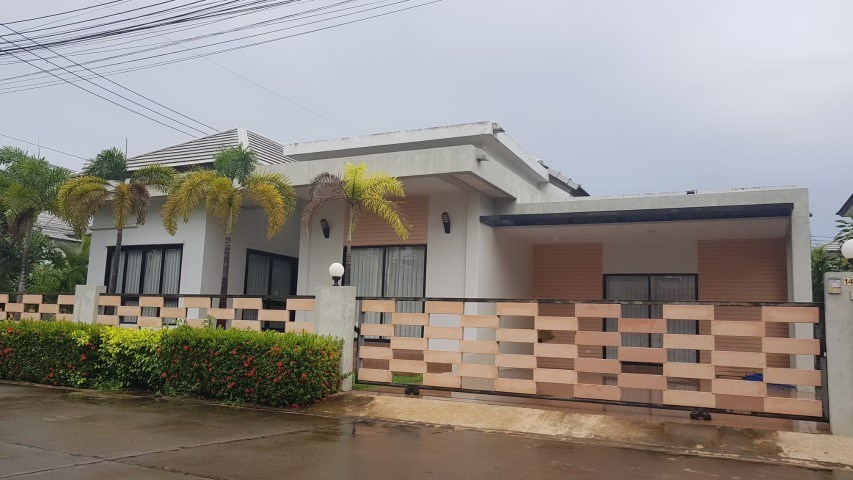 Patta Village house For sale and for rent in East Pattaya