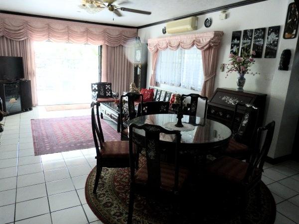 inner city living house for rent in South Pattaya