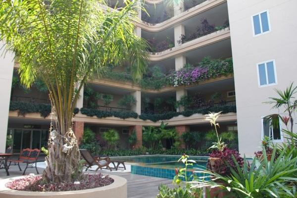executive residence 2-4 Condominiums for sale in Pratumnak Pattaya