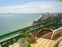 spacious condo unit with absolute sea view for sale in Jomtien Pattaya