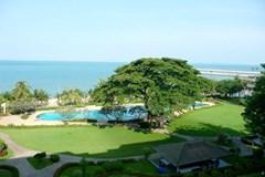 beachfront condo for sale in Ban Amphur Pattaya