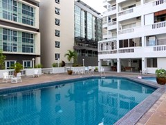 Pattaya Tower Condo for sale in South Pattaya