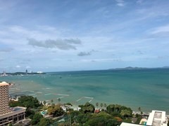 the riviera wongamart Condominiums to rent in Naklua Pattaya