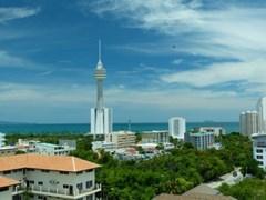 modern apartment top floor    to rent in Pratumnak Pattaya