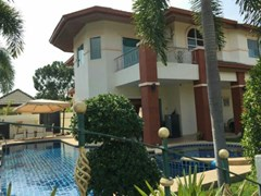 geen field 1 house for rent in Ost-Pattaya