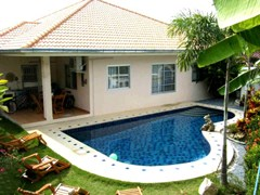 pattaya tropical village house for rent in East Pattaya