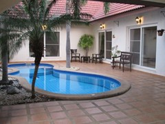 nirvana pool villa 1 house for rent in East Pattaya
