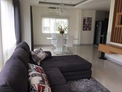 Patta Village house for sale in East Pattaya