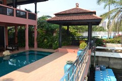 jomtien yacht club 1 house for sale in Na Jomtien