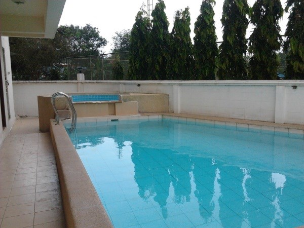 Siam Properties Co.Ltd. beach mountain bang saray Condominiums to rent in Bang Saray Pattaya
