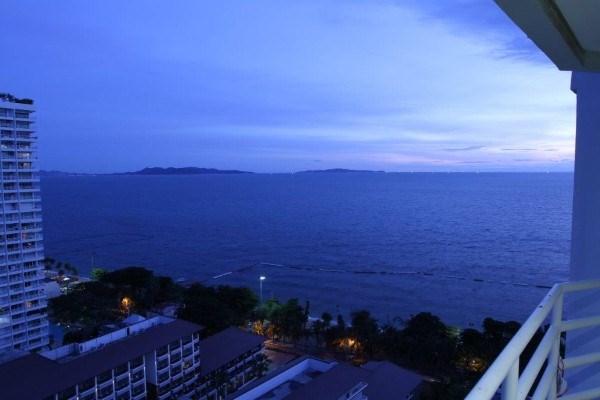 Siam Properties Co.Ltd. View Talay 5 Condominiums for sale in Jomtien Pattaya