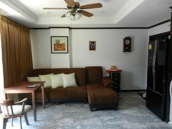 Siam Properties Pattaya Co.Ltd Siam Oriental Twins Condominiums for sale in Pratumnak Pattaya