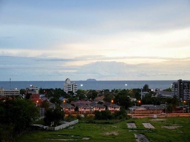 Siam Properties Pattaya Co.Ltd the park condo  to rent in Jomtien Pattaya