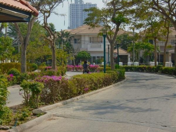 pic-12-Siam Properties Co.Ltd. Baan Suan Lalana Condominiums for sale in Jomtien Pattaya