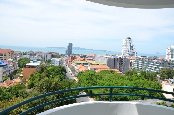 star beach condotel for sale in Pratumnak Pattaya
