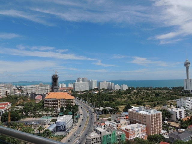 pic-2-Siam Properties Pattaya Co.Ltd the axis condo  to rent in Pratumnak Pattaya