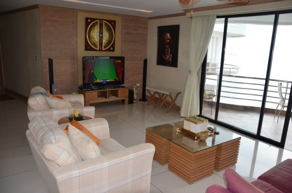 royal cliff condo for sale in Pratumnak Pattaya
