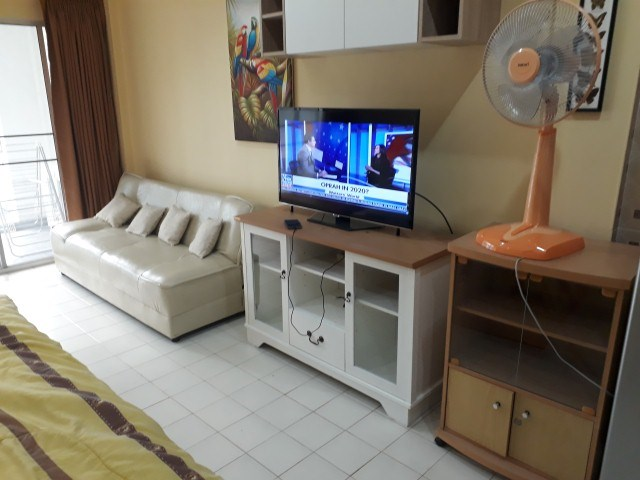 pic-3-Siam Properties Co.Ltd. Baan Suan Lalana Condominiums for sale in Jomtien Pattaya