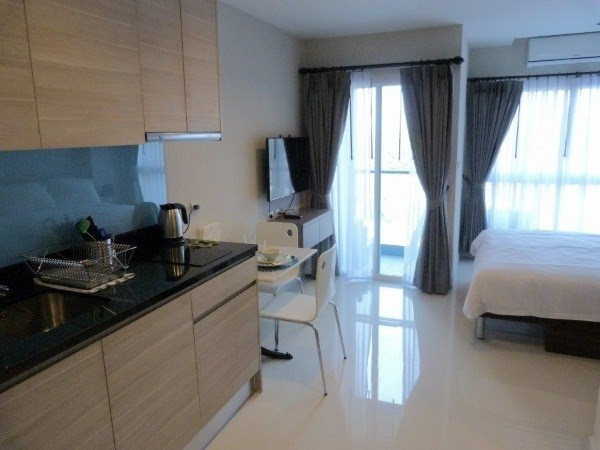 a.d. hyatt condominium for sale and for rent in wongamat beach to rent in Wong Amat Pattaya