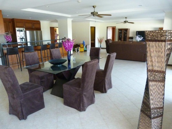 royal residence 1 Condominiums for sale in Na Jomtien Pattaya